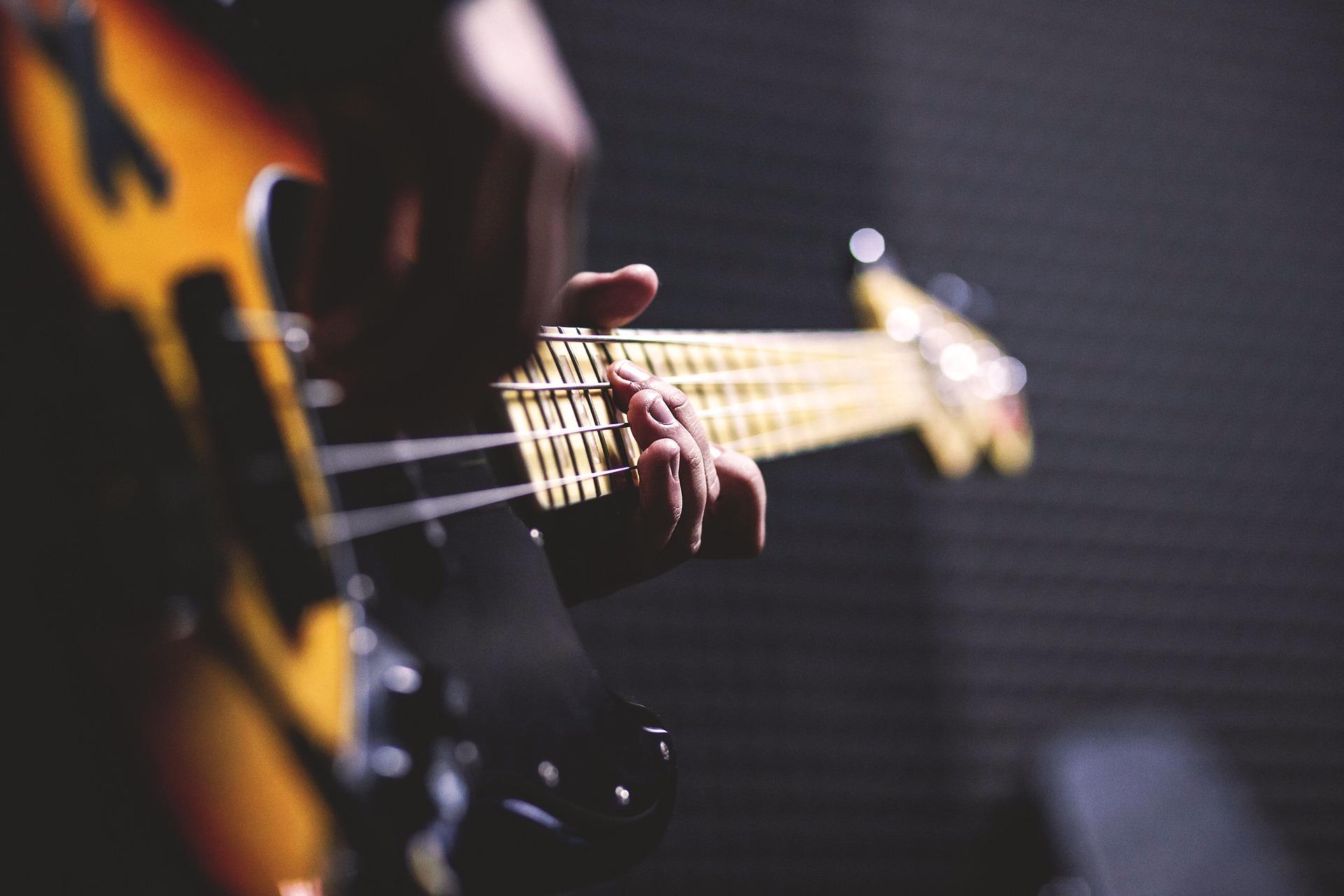 fender bass guitar lessons